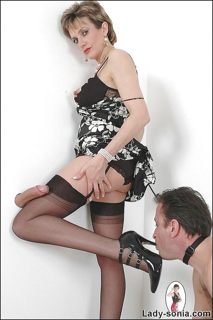 Fleshlight handjob with Lady Sonia - Leatube